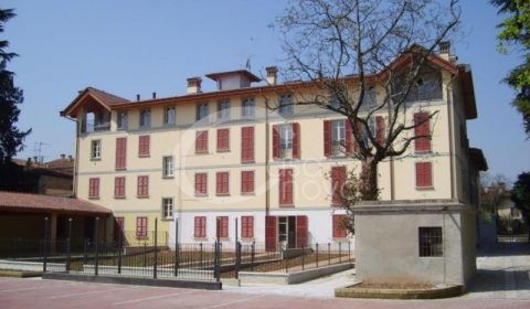 Capannoni, box e depositi in vendita a Chiari