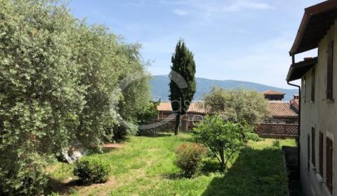 Ville, villette e bifamigliari in vendita a Gargnano